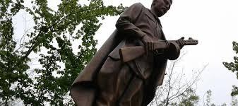 У Смілі після реставрації зруйнувалася скульптура воїна-визволителя