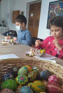 Традиційні майстер-класи з писанкарства в Черкасах (фоторепортаж)