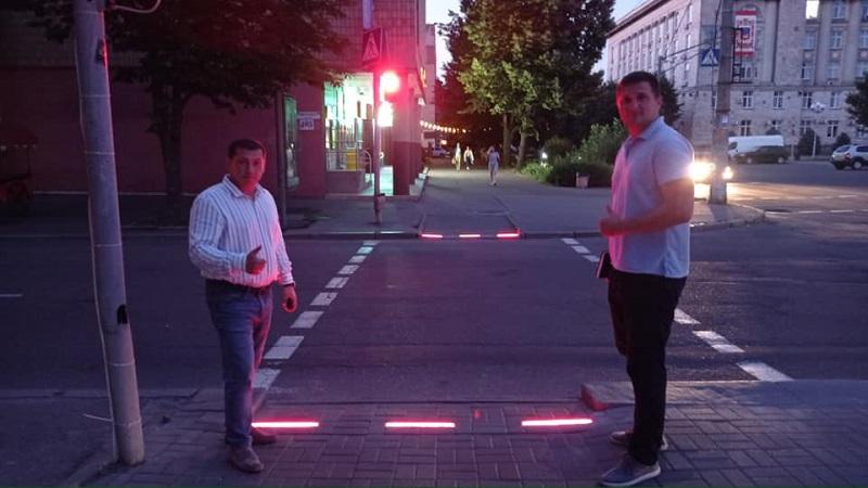 У середмісті Черкас обладнали LED-бруківкою ще один перехід