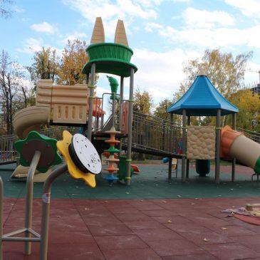 У Черкасах будують найбільший інклюзивний майданчик: уже встановили понад 30 об'єктів
